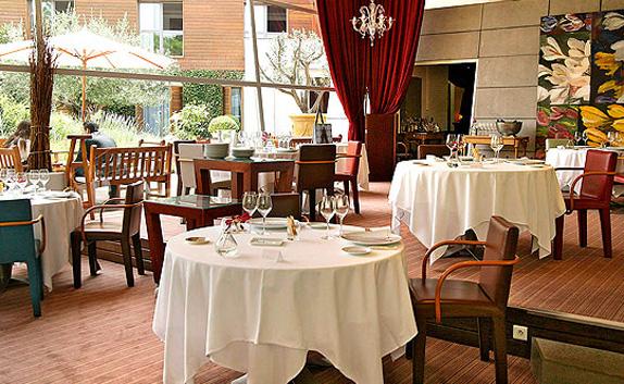 Le jardin des sens for Restaurant le beau jardin
