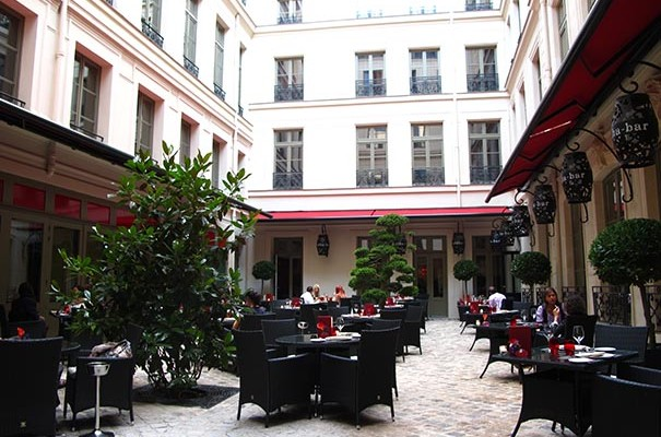 Restaurant vraymonde paris faut il y aller for Terrasse jardin restaurant paris