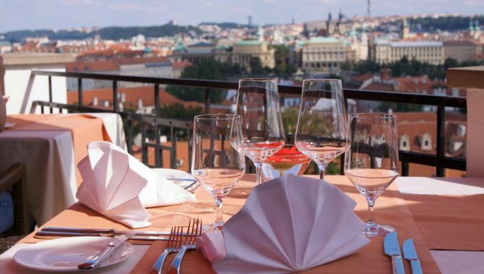 vista panoramica di Praga da ristorante