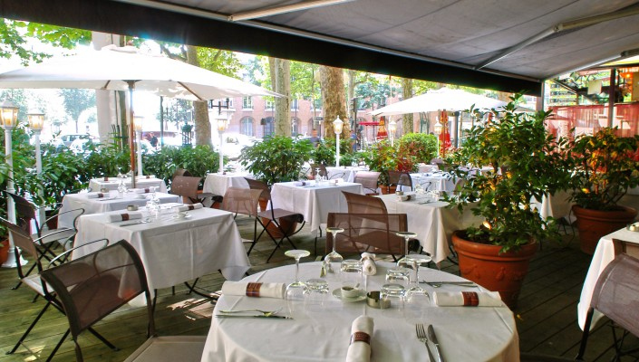 Guides restaurants terrasse jardin for Article de restaurant