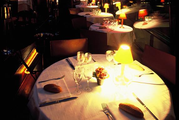 restaurant-bateaux-parisiens-1