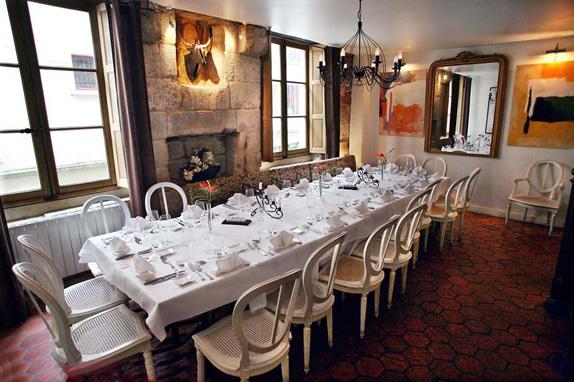 restaurant-l-auberge-nicolas-flamel-1