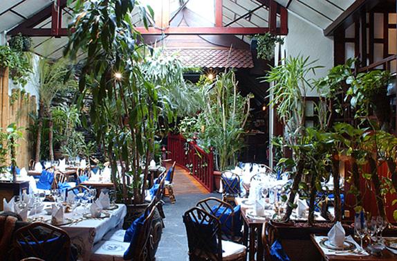 Restaurant thaïlandais branché beau décor