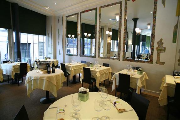 restaurant-les-bouquinistes-1