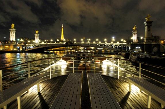 Les yachts de paris - Restaurant seine port ...