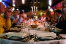 Fotolia_3332434_S_restaurant-groupe