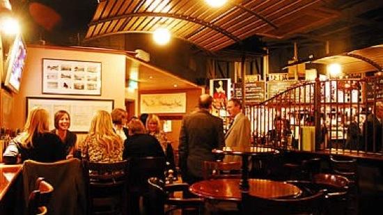 Willy-s-Wine-Bar--Restaurant
